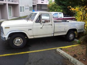 1984 Ford 150 4wd $2,000 102, 000 miles